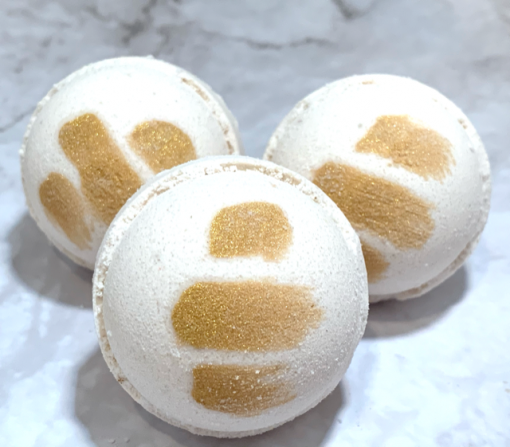 Vanilla Bean Marshmallow Bath Bomb by Mountain Farms Soap